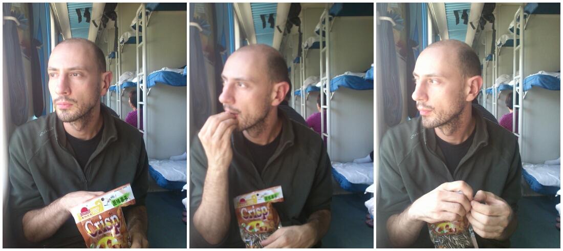 mangiando semi di zucca...