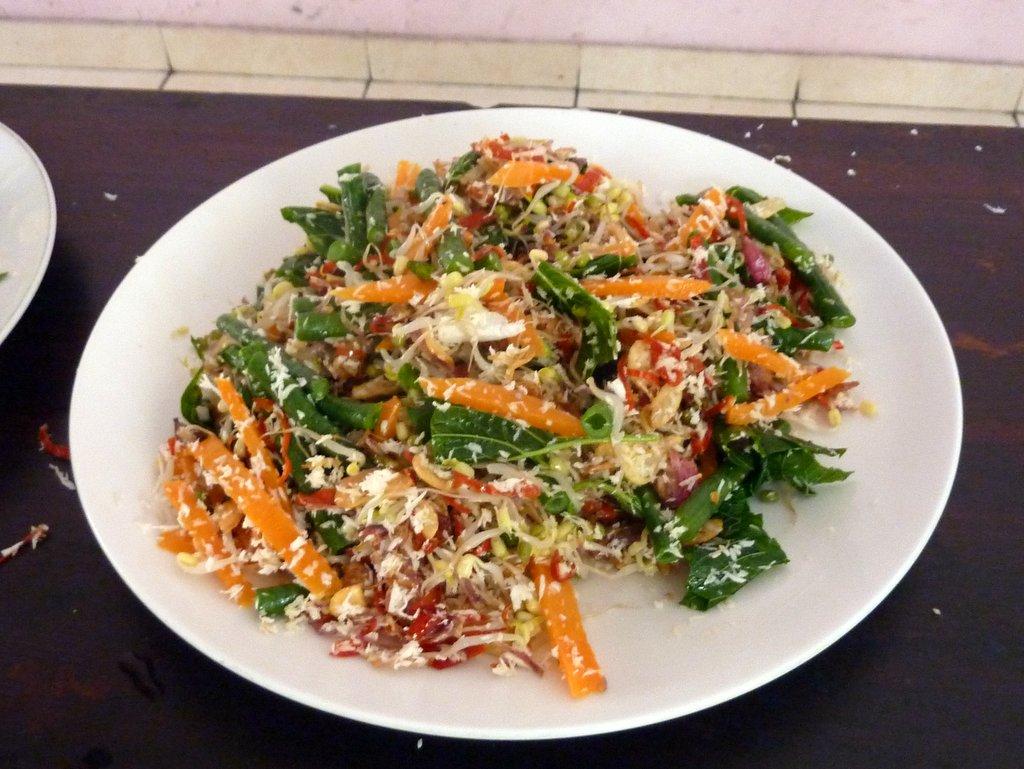 insalata di verdure con cocco