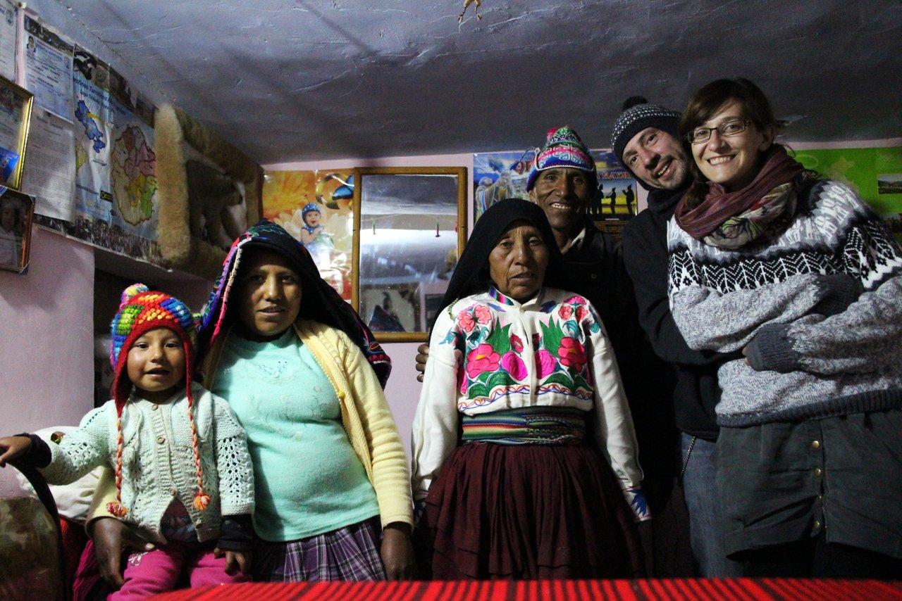 lago titicaca fai da te: la famiglia che ci ospita Amantani