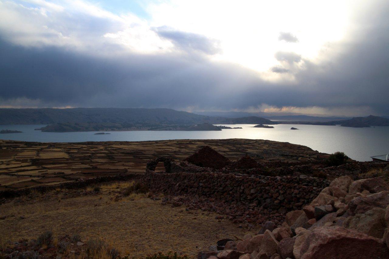 lago titicaca fai da te: panorama da Amantani