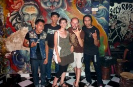 Insieme ai Racun Timur Menggoda, band punk di Bali