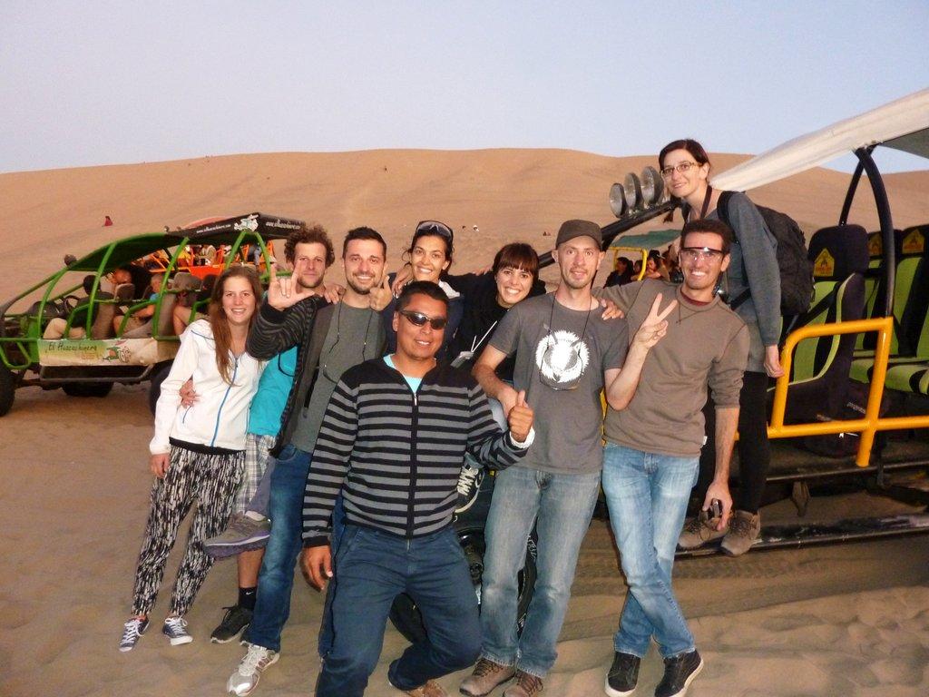 Il gruppo al completo con la nostra dune buggy