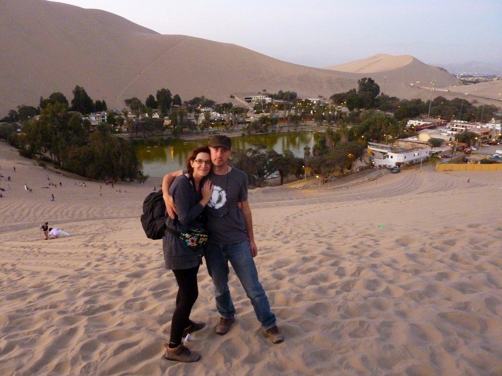 L'oasi di Huacachina al tramonto