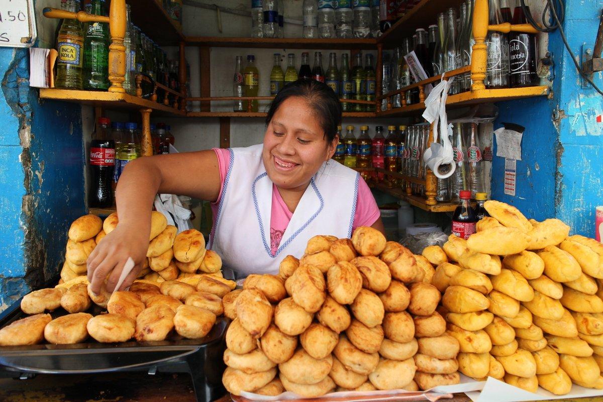 mercato coperto di san camilo: papas rellenas