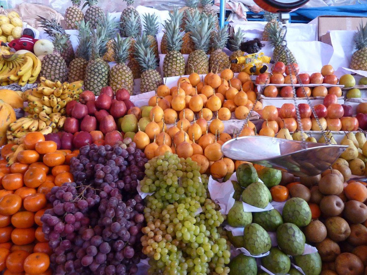 mercato coperto di san camilo: trionfo di frutta