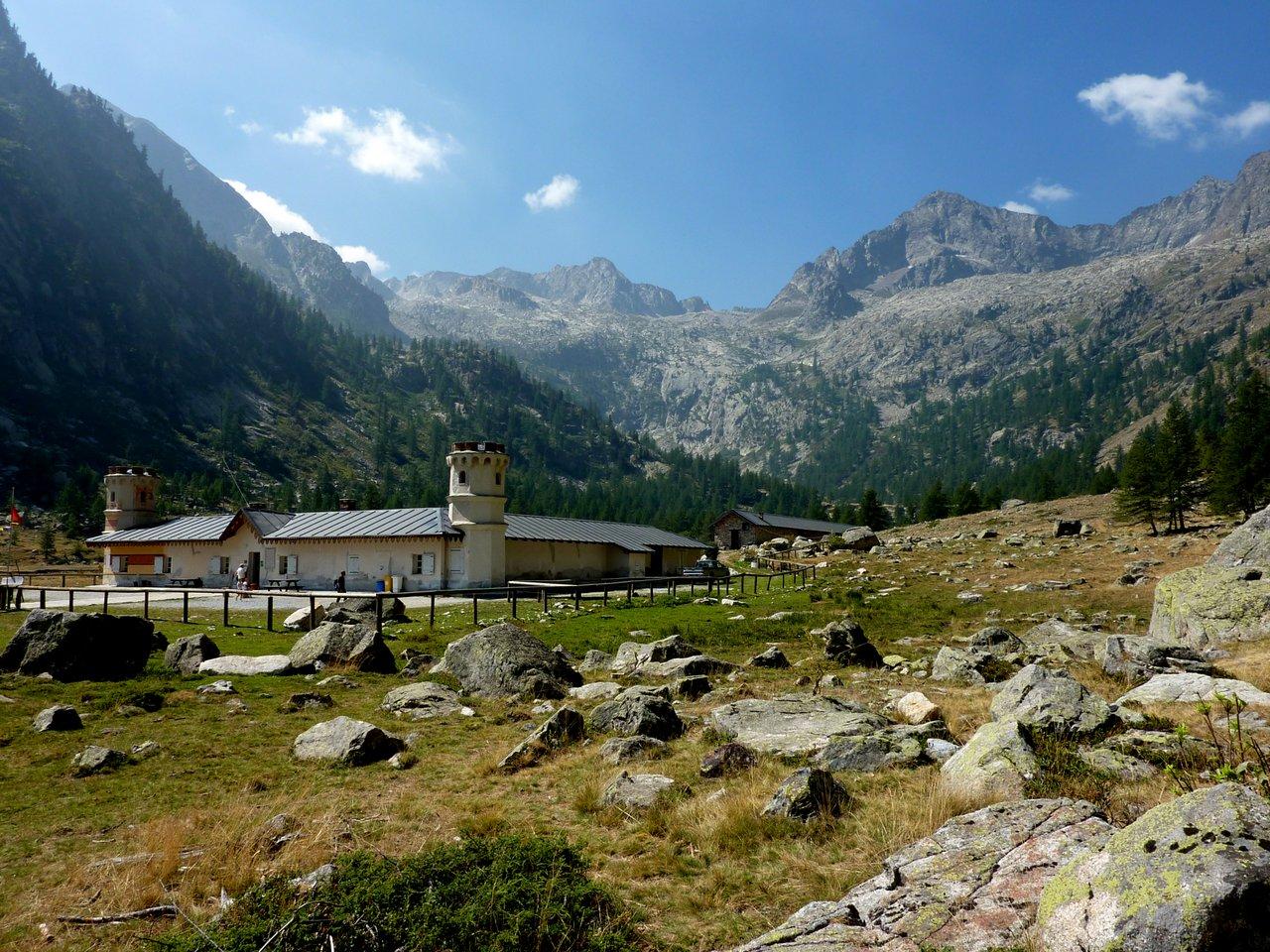 escursione ai laghi di fremamorta. rifugio del valasco