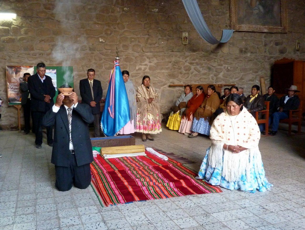 lago titicaca fai da te: rito religioso a Chucuito
