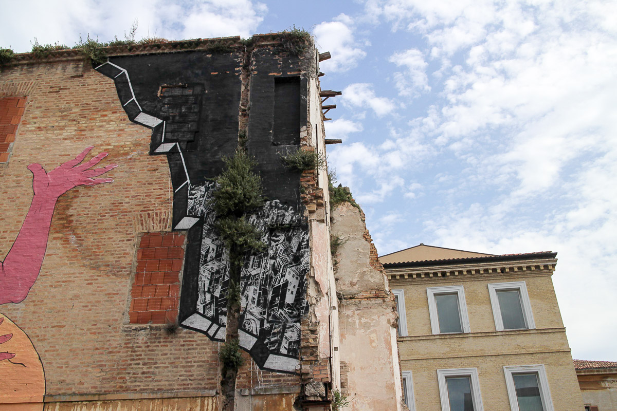 003_street-art_ancona_carapaucostante