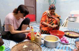 corso di cucina a zanzibar - paola al lavoro