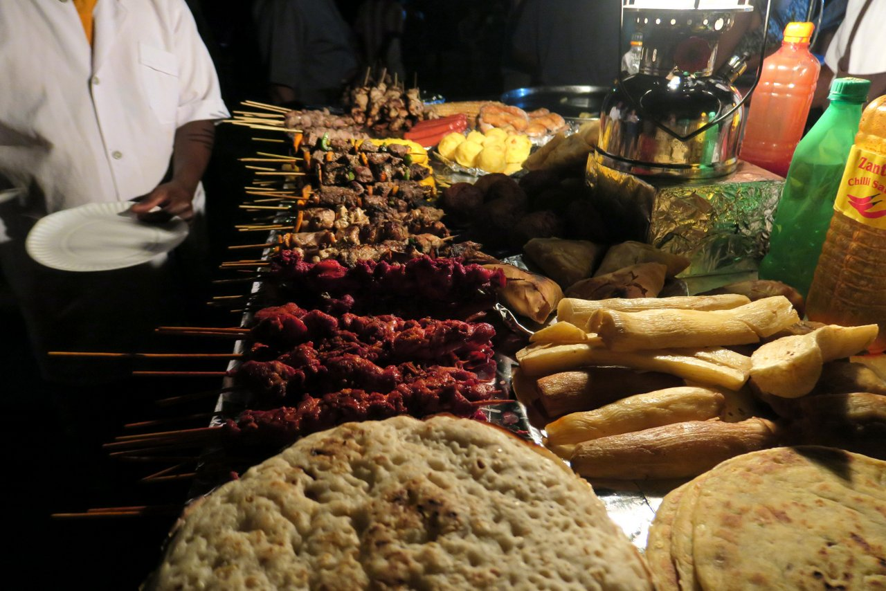 cosa fare a stone town. street food