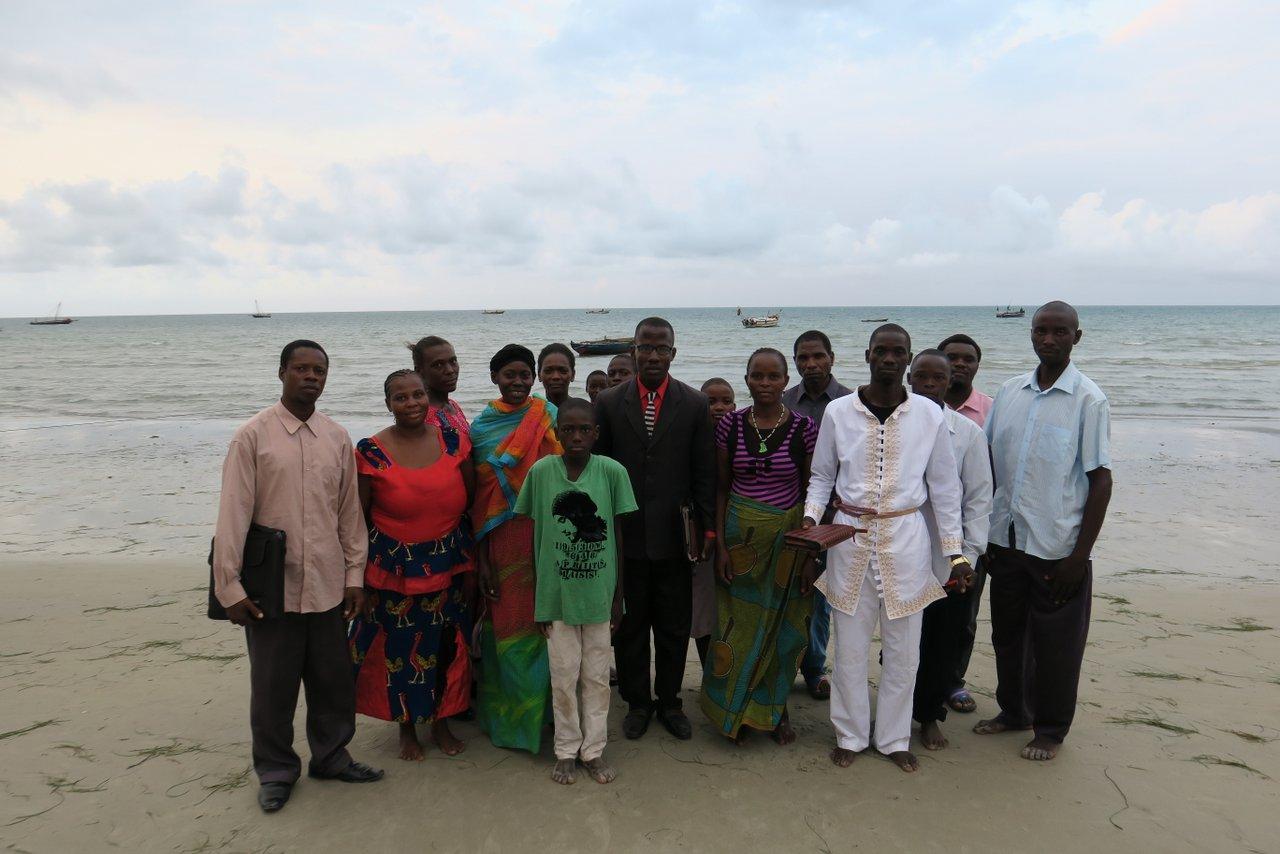cosa vedere a bagamoyo: un gruppo evangelista
