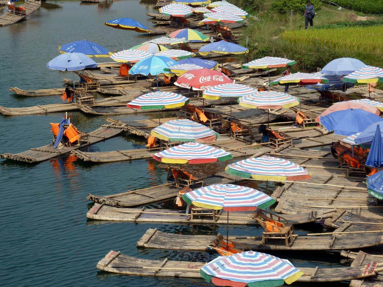 itinerario di quatto settimane in cina: Bamboo boat sul fiume Yulong