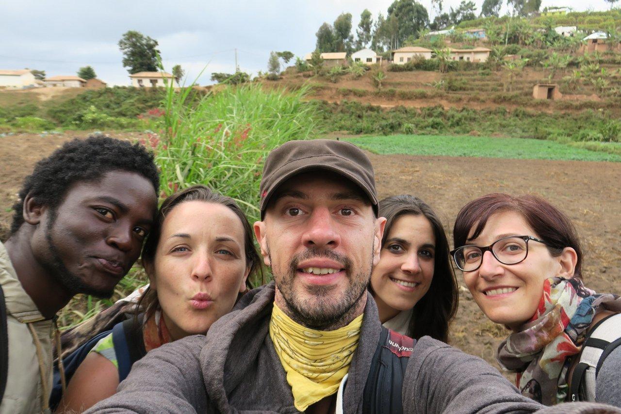 escursione nelle montagne usambara: il gruppo al completo