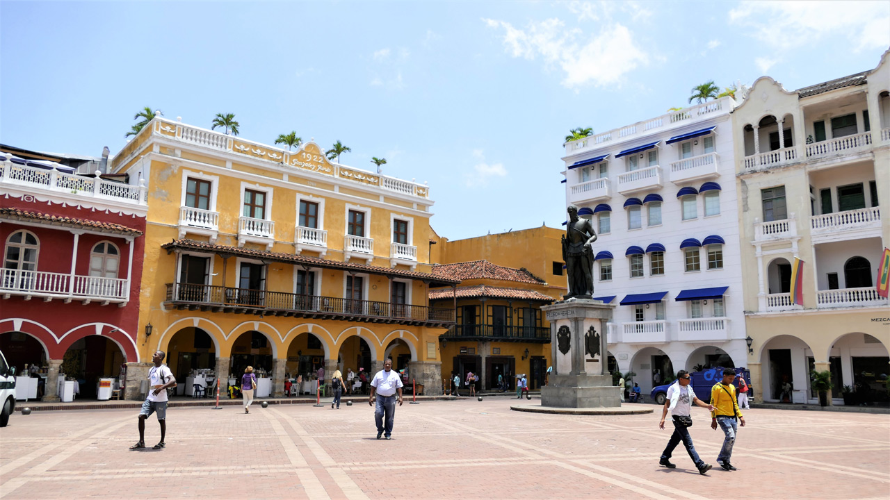 cartagena colombia: plaza de la paz