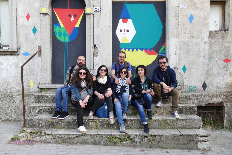Street Art a Santa Croce di Magliano: Testa grossa e lo smilzo di Camilla Falsini