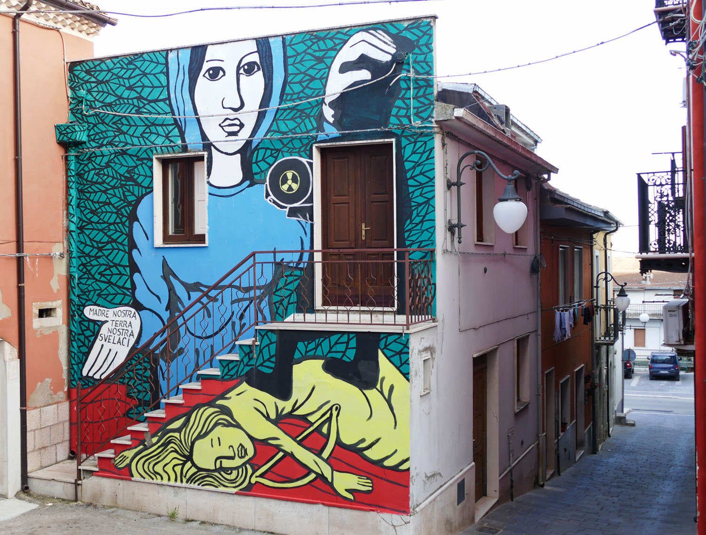 Street Art a Santa Croce di Magliano: Collettivo FX, La Madonna dell'Adesso